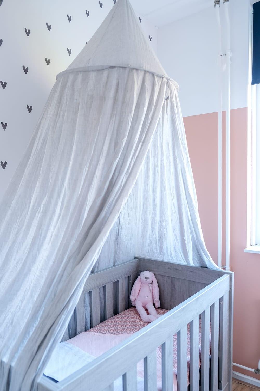 babykamer met kleur katje histor